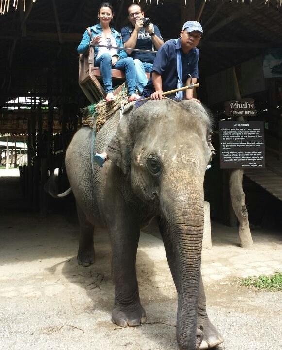 Tina y Nando  por Tailandia