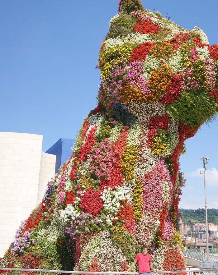 Cristian en el Puppy de Guggenheim Bilbao