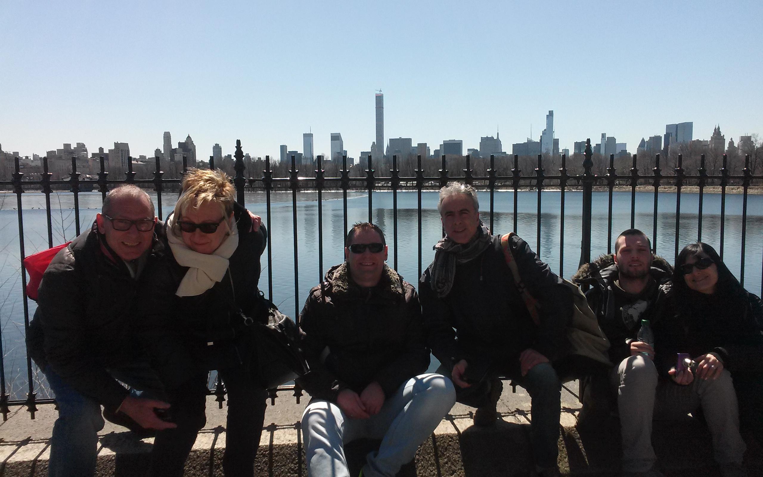 Familia Macarulla y Riau por Nueva York