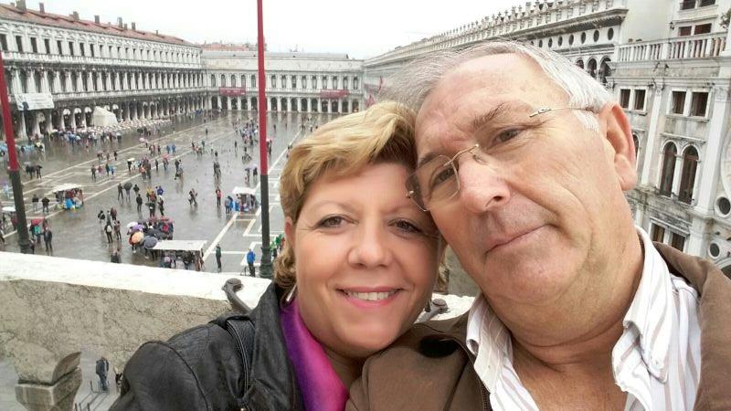 Alejandro y Mari en Plaza San Marcos.