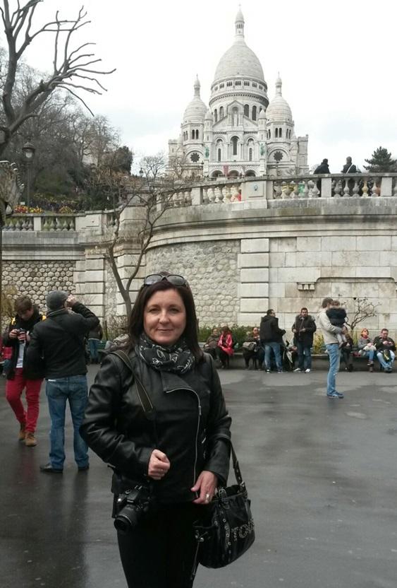 Montse en el Sacre Coeur de París.