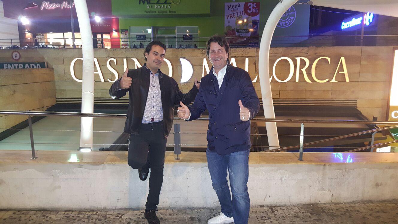 Jose Miguel y Pepe probando suerte en Palma de Mallorca