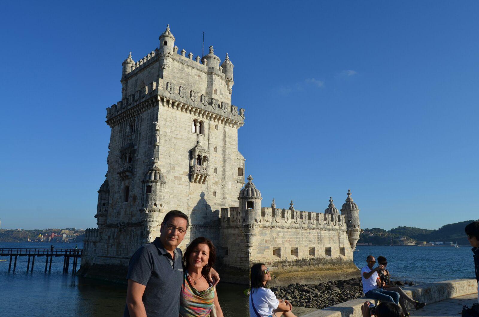 Alfonso y Montse en la torre de Belém en Lisboa.