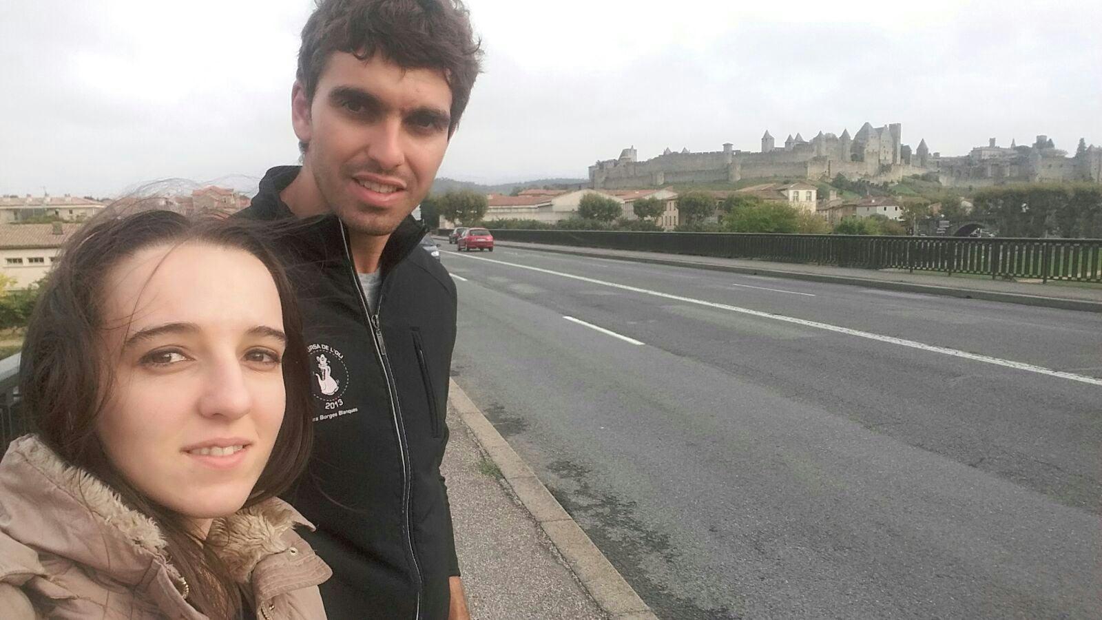 Cristian y Nerea a su llegada a Carcassone (Francia)