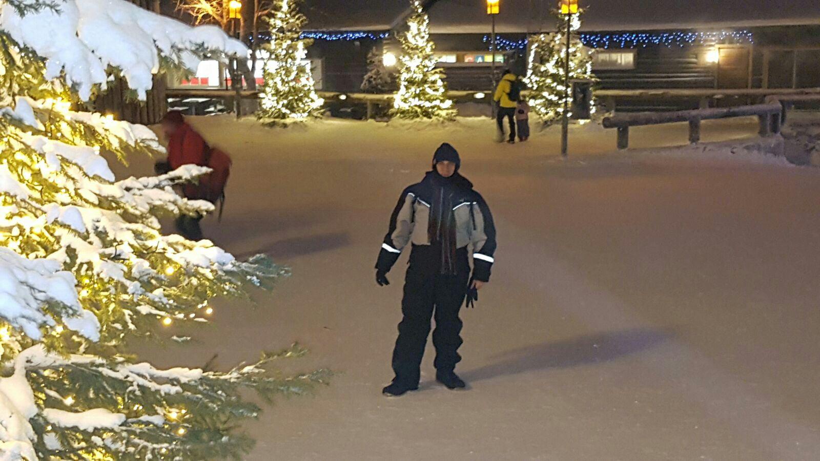 Robert perfectamente equipado para disfrutar de sus vacaciones en Laponia