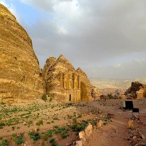 Explore o Médio Oriente