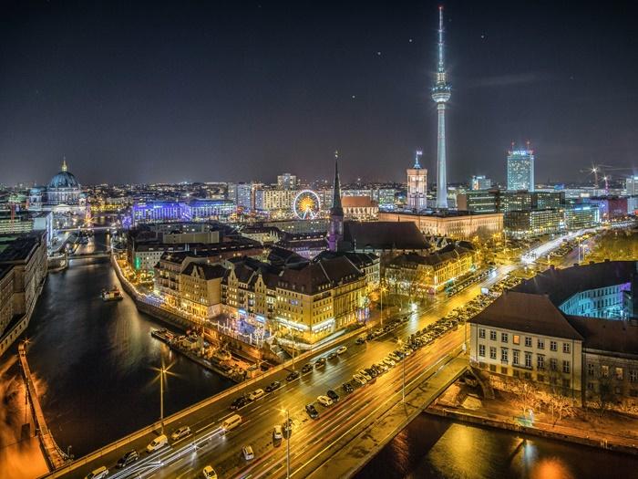 Un viaje de una semana recorriendo las ciudades más importantes del norte de Alemana: Berlín, Hamburgo y Bremen.