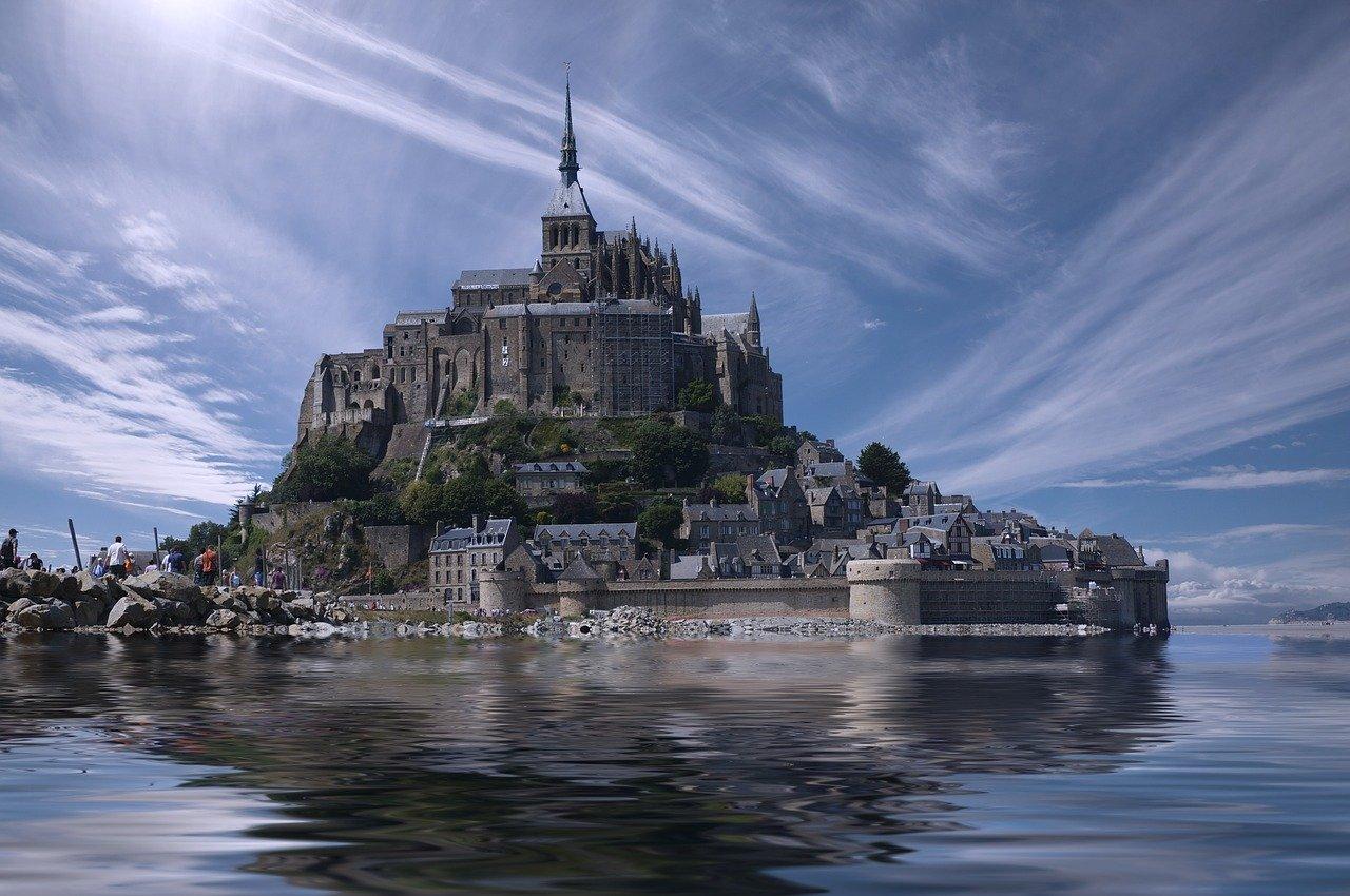 las bellezas de Normandía y Bretaña.