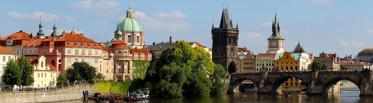 Praga desde Asturias.Puente de diciembre