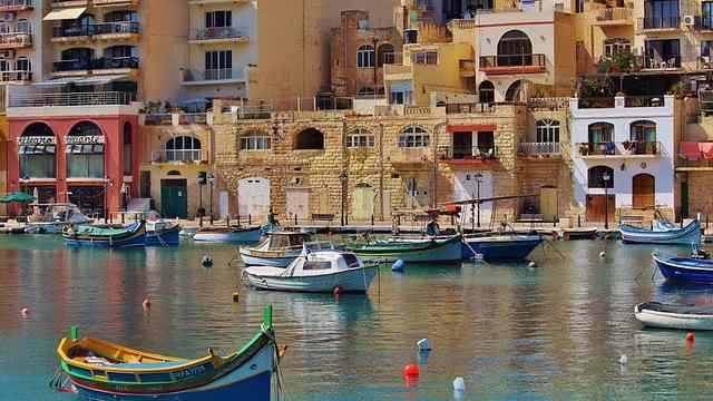 Malta puente de diciembre desde Asturias